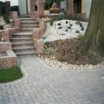 Granite pathway pattern
